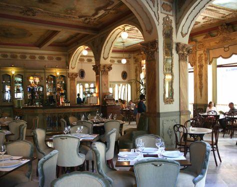 Café Royalti.